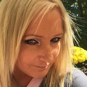 Vrouw (48) zoekt sex in Luik