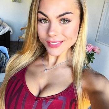22 jarige vrouw zoekt sex in Hechtel-Eksel, Vlaams-Limburg