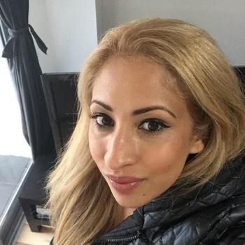 35 jarige vrouw zoekt seksueel contact in Oost-vlaanderen