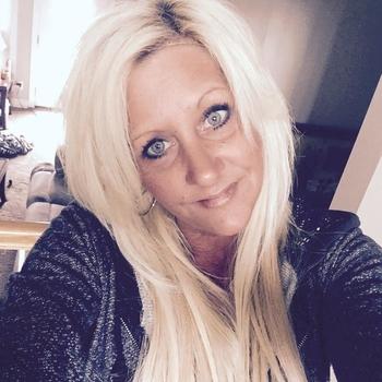 Vrouw (48) zoekt sex in Zuid-Holland