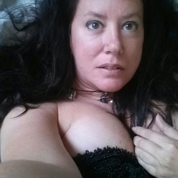 Vrouw (54) zoekt sex in Flevoland