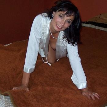 Vrouw (51) zoekt sex in Zuid-Holland