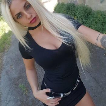 23 jarige vrouw zoekt sex in Oudsbergen, Vlaams-Limburg