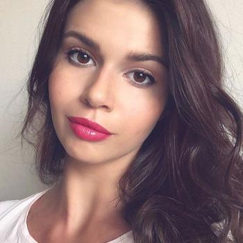 Vrouw (24) zoekt sex in Waals-Brabant