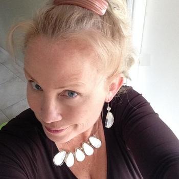 Carla, vrouw (57 jaar) wilt contact in Noord-Brabant