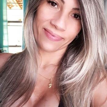 28 jarige vrouw zoekt seksueel contact in Waals-Brabant