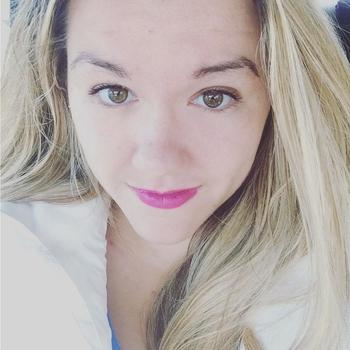 22 jarige vrouw zoekt seksueel contact in Friesland