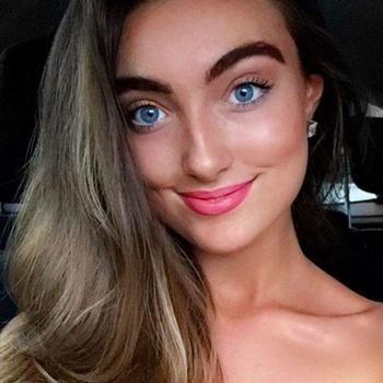 25 jarige vrouw zoekt seksueel contact in Vlaams-brabant