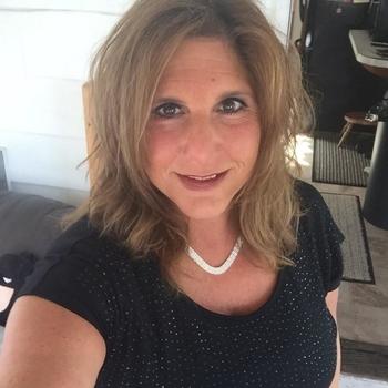 46 jarige vrouw zoekt sex in Friesland