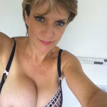50 jarige vrouw zoekt sex in Noord-Brabant